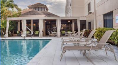 exterior view of hilton garden inn west palm beach and pool area - Hilton Garden Inn West Palm Beach